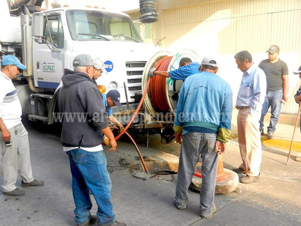 Iniciaron trabajos de limpieza en las redes de drenaje en Tangancícuaro