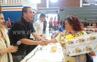 """""""EL APOYO INCONDICIONAL A LAS PERSONAS QUE DIA A DIA TRABAJAN EN LOS COMEDORES COMUNITARIOS"""""""