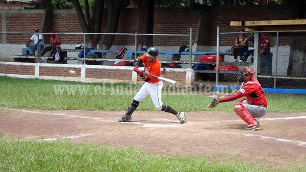 Torpedos adelante en la serie final de beisbol ante Atecucario