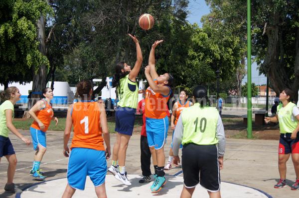 Apretado triunfo obtuvo Colegio Jacona sobre Roblop en la Liga D.I.A. de Basquetbol