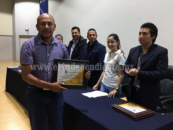 Reconocen a deportistas destacados de Jacona, Tangancícuaro y Zamora