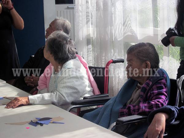 Trabajan para asilar a adultos mayores