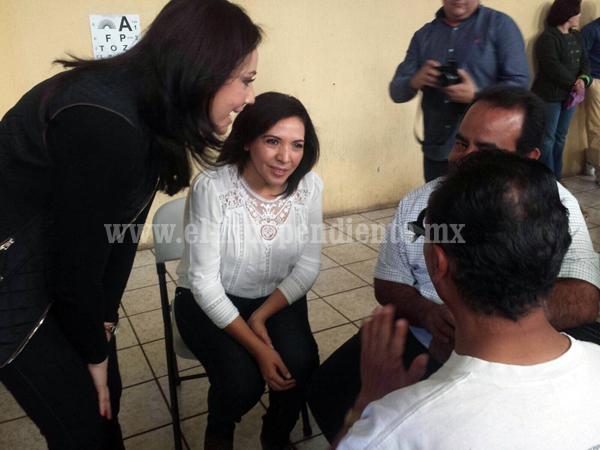 Diputada Adriana Campos arrancó campaña de exámenes de vista y entrega de lentes
