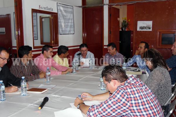 Demandan empresarios al municipio de Jiquilpan por incumplimiento de contrato con la Secretaría de Turismo Federal.