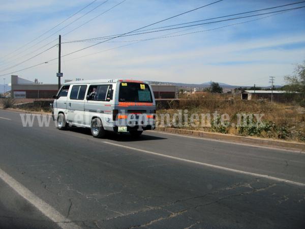 Externan quejas contra el transporte público personas con capacidades diferentes.