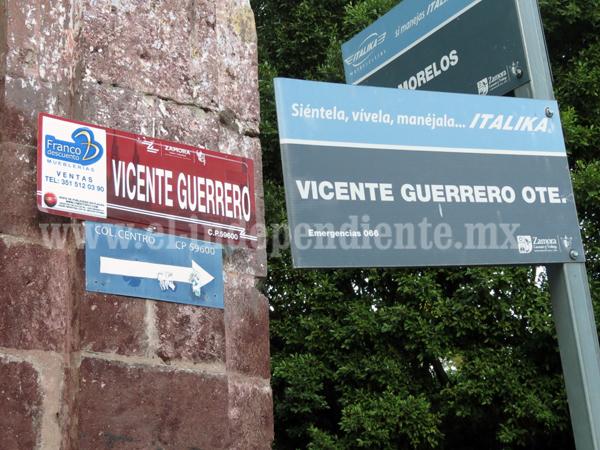 Inician colocación de nueva nomenclatura en calles del centro