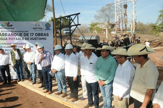 Hacer de Huetamo, Carácuaro y Zitácuaro municipios modelo: Silvano Aureoles