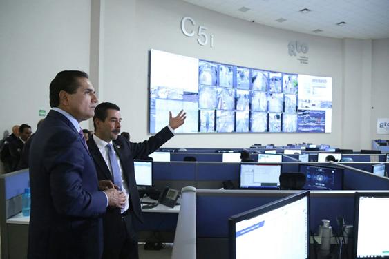 Recorre Silvano Aureoles instalaciones del C5I de Guanajuato