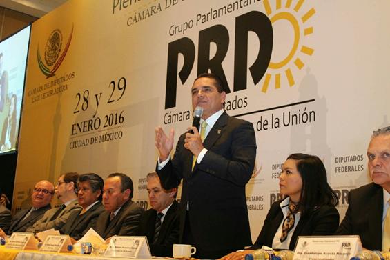 Participa Silvano Aureoles en Plenaria de Diputados federales del PRD