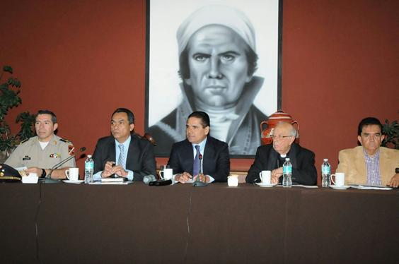 Revisan Gobernador y Cardenal avances ante próxima visita del Papa Francisco a Michoacán