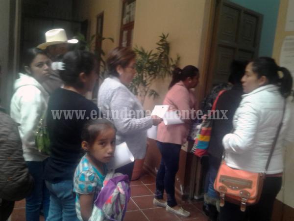 Se quejan beneficiarios de jineteo de cheques del Fondo de Apoyo al Migrante  por parte de alcaldía