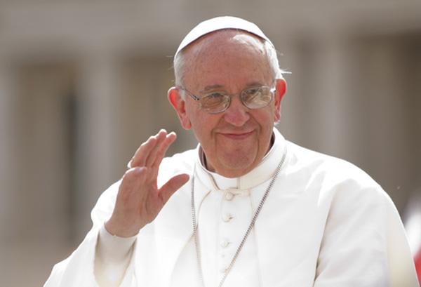 Visita papal podría ser distractor de temas como violencia y crisis económica
