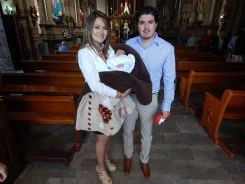 Recibe bendición bautismal