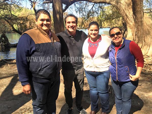 "Filman Programa de Televisión ""México de Mil Sabores"" en Lago de Camécuaro"