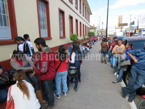 Huelgas de la CNTE impulsan la privatización de la educación