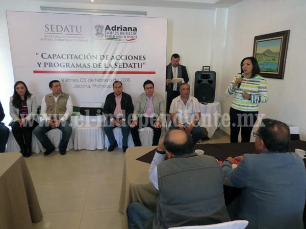 Capacitan a funcionarios municipales del distrito 05 en programas de la SEDATU