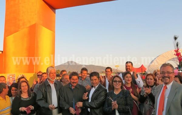 Retoman organización e inauguran Feria de la Fresa