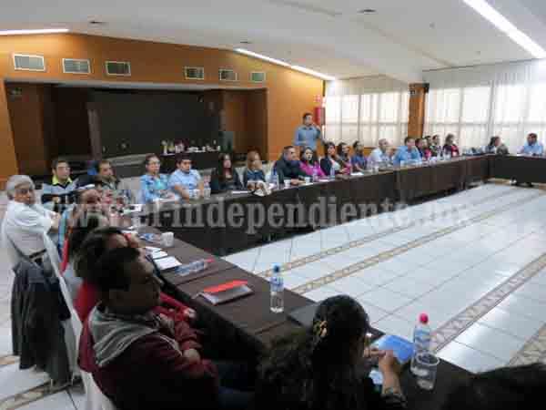 Autoridades de salud reciben capacitación contra dengue, chinkungunya y zika