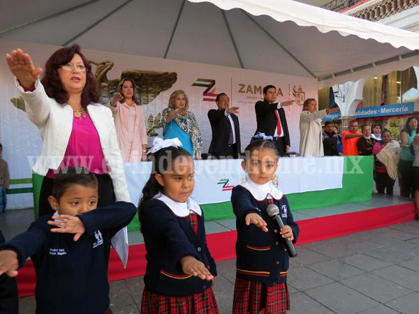 Enseña tricolor es símbolo vigente para educar un municipio de paz