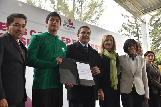 Entrega Gobernador 8 mdp de equipamiento a planteles del Conalep Michoacán