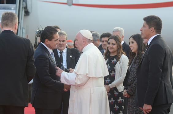 Agradece Silvano Aureoles visita del Papa Francisco a Michoacán