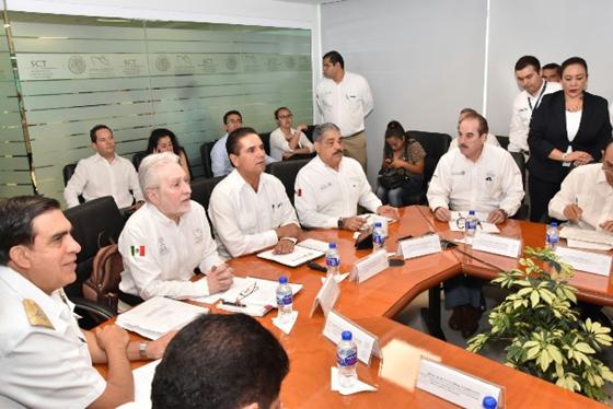 Gobierno Estatal acompañará fortalecimiento del Puerto de Lázaro Cárdenas: Silvano Aureoles
