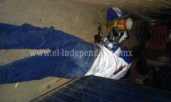 Agresión a balazos deja dos muertos afuera de taller de motos, en Jacona