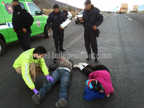 Auto fantasma embiste y lesiona a motociclistas en las inmediaciones de la Central de Abastos de Canindo