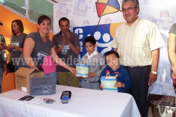 Recibió CRI Promotón equipo donado para terapia de Lenguaje