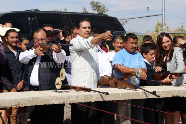 Alcalde y Gobernador inauguran 2ª etapa del Centro Acuático