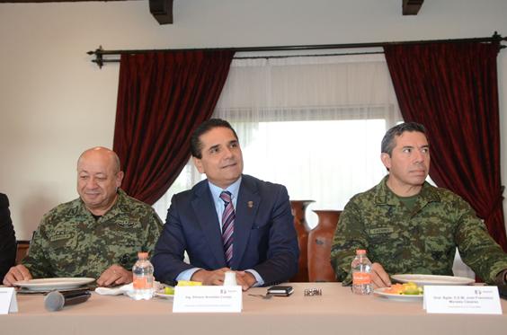 Revisa Gobernador tareas conjuntas por la seguridad de Michoacán