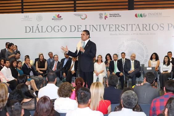 Apoyar a los migrantes es un tema de interés superior para mi Gobierno: Silvano Aureoles