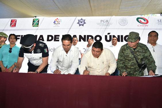 Acciones sociales para enfrentar violencia y desigualdad en Michoacán: Silvano Aureoles