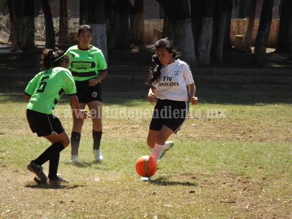Secundaria Técnica 79 venció por la mínima diferencia a Chicas Chongueras