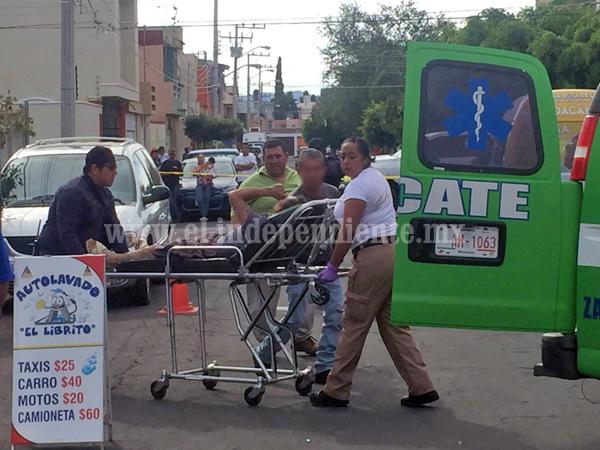 Un muerto y dos lesionados tras ser baleados en autolavado de Zamora