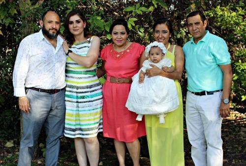 Luciana es bautizada