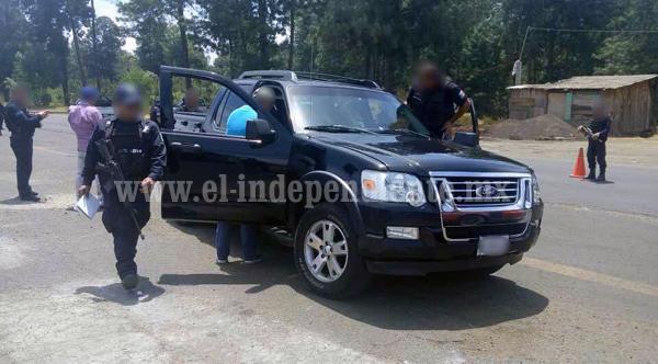 Ministeriales capturan a 5 personas con pistolas y droga en la Región Zamora