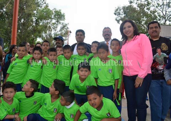 Invita la Diputada Adriana Campos a presenciar duelos de Fútbol Femenil