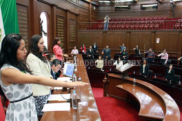 Diputados deben  motivar a los jóvenes a participar