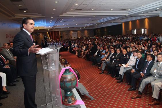 El fortalecimiento de los municipios debe ser fundamental: Silvano Aureoles