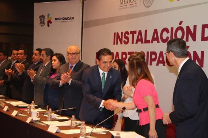 Instala Silvano Aureoles Consejo para la transformación educativa en Michoacán