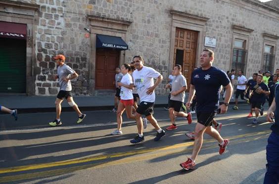 Encabeza Gobernador Segunda Carrera Atlética