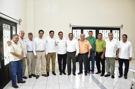 Se reúne Gobernador con sacerdotes de Tierra Caliente de Michoacán