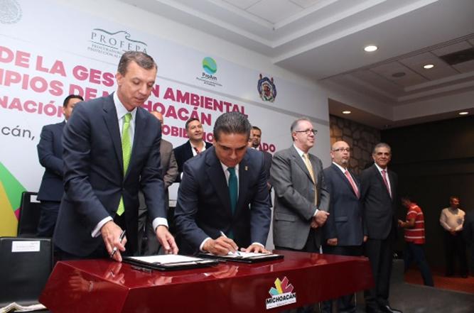 Gobierno de Michoacán y Profepa signan convenio para fortalecer acciones en materia ambiental