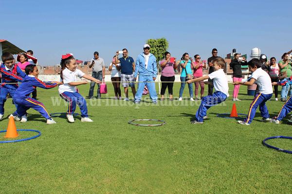 Inauguran XVI Mini-Olimpiada en Jardín de Niños con apoyo del municipio