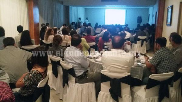 En reunión, dan bienvenida a docentes de UNIVA Zamora