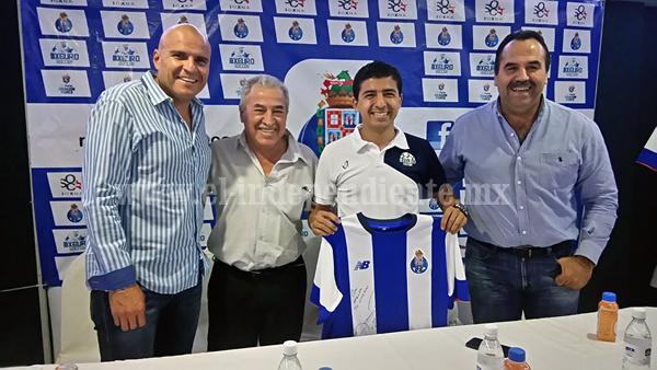 14 jóvenes mexicanos fueron seleccionados para viajar a Europa con el FC Porto de Portugal