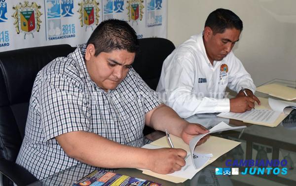 Firmó Ayuntamiento de Tangancícuaro convenio con Tecnológico P`urhépecha de Cherán
