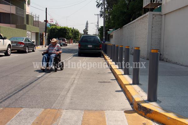 """Privilegian a vecinos de  Jardinadas con """"postes de protección"""""""