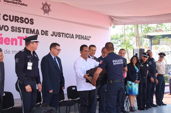 Capacitarán a más 3 mil 600 elementos de Policía Michoacán en NSJP